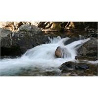 Kaz Dağları'nın Eteklerinde, Akçay