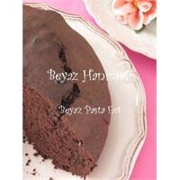 Bitter Çikolatalı Nefis Bir Kek