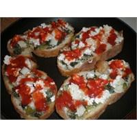 Fazlıkızından Peynirli Sebzeli Ekmek