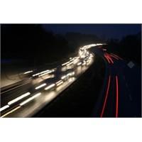 Trafikte Hız Yapmak Yasak Olamaz!
