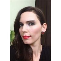 Smokey Eyes- Red Lips Makyajı
