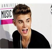 Justin Bieber Hayranlarını Şaşırttı