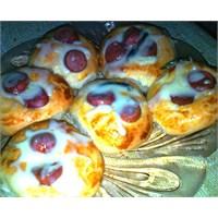 Minik Sosisli Pizzalar