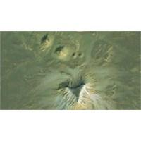 Kayıp Piramitler Google Earth'te Ortaya Çıktı!