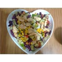 Değişiklik İsteyenlere Tavuklu Salata