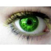 Yeşil Gözlerin Makyajı Nasıl Olmalı?