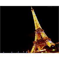 Paris'i Rehberlerden İyi Anlatan Bir Belgesel