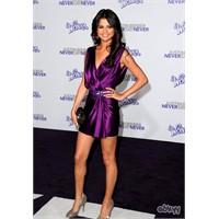 Selena Gomez Elbiseleri