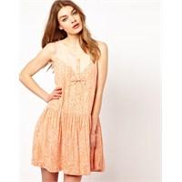 Sezonun En Trend 2013 Elbise Modelleri