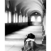 Bir (U)mutsuzluk Hikayesi … – Canan Orcan ( Şiir )