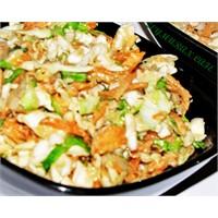 Tahinli Cevizli Lahana Salatası