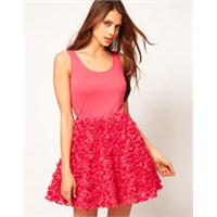 Bu Yaz Elbise Etek Modası Bir Başka