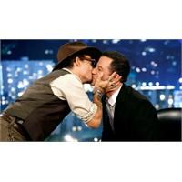 Johnny Depp Neden Bir Erkeği Dudağından Öptü?