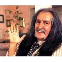 Uzun Saçlı Dev Adam