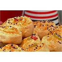 Zeytinli Peynirli Rulo Çörek | Oktay Usta