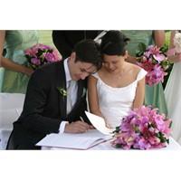 Erkek Evleneceği Kadını Nasıl Seçiyor?