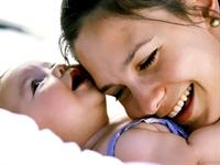 Bebeklere İlk 6 Ay Sadece Anne Sütü Verin