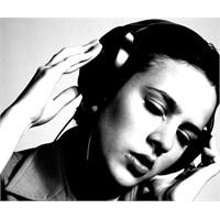 Müzik Dinleyerek Daha İyi Çalışın
