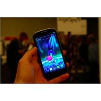 Zte Pf112 Adroid 4.0 Telefon: İlk Görseller