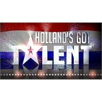 Hollanda'da 9 Yaşındaki Kız Sesiyle Büyüledi