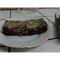 Bisküvili Cevizli Pasta