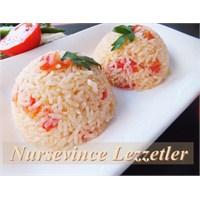 Domatesli Pirinç Pilavı Nasıl Yapılır Nursevince