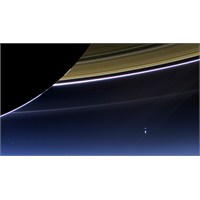 Dünya'nın Satürn'den Fotoğrafı Şaşırttı