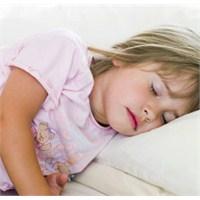 Geceleri Çocukların Alt Islatmaları