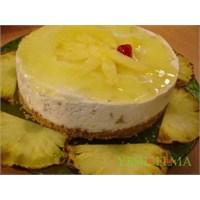 Ananaslı Püskevit Pasta