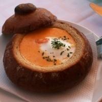 Ekmek İçinde Domates Çorbası