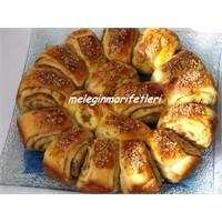 Tahinli Pekmezli Mayalı Çörek.....