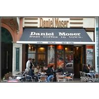 Viyana'nin İlk Cafesi, Daniel Moser