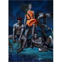 Team Supermodel Versace'ler İçinde