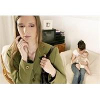 Bebeğe Bakacak Kişiyi Seçmek Çok Önemlidir