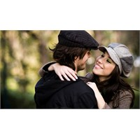 Erken Evlenenin Mutluluğu Daha Uzun Sürüyor