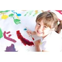 Çocuklar Gelecek Hayallerini Çiziyor