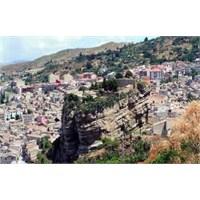 Sicilya Adası / Ünlü Carleone Köyü