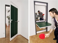 Pinpon Masasına Dönüşen Kapı
