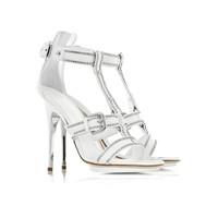 Ayakkabı modelleri yaz modasında çok revaçta
