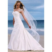 Kumsal Düğünleri İçin Gelinlikler Modelleri