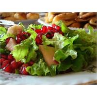 Sağlıklı, Renkli Salata ...