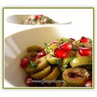 Baharatlı Zeytin Salatası