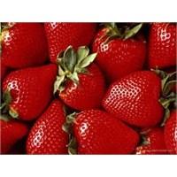 Enerji Veren Vitamin Deposu Meyveler