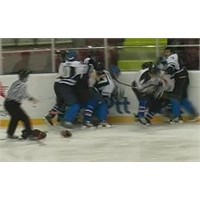 Buz Hokeyi Süper Liginde Olay