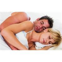 Uyuma Pozisyonu İle Gerçekler Ortada