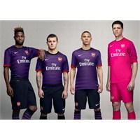 Arsenal 2012-13 Formaları