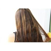 Kuru Saçlara Sıcak Zeytin Yağı