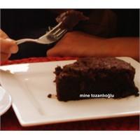 Yumuşacık Kakaolu Kek