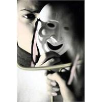 Hüzün Maskesi...