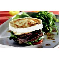 Keçi Peynir Salatası